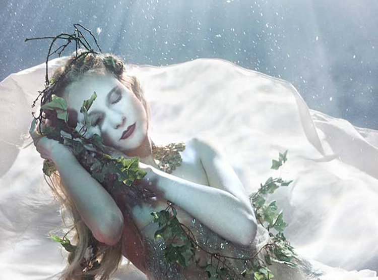 Sleeping Beauty / Fotógrafa Zena Holloway