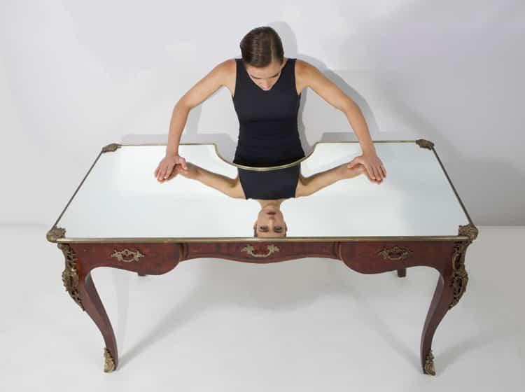 narcissus-desk-sebastian-errazuriz