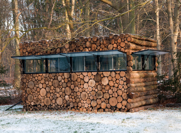 Tree Trunk House / Piet Hein Eek