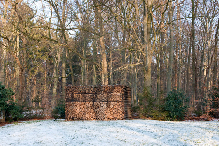 piet-hein-eek-tree-trunk-house-6