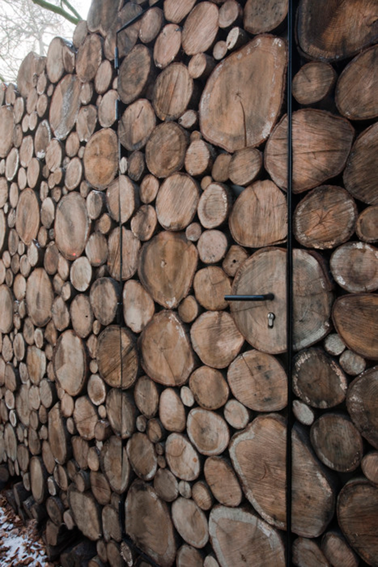piet-hein-eek-tree-trunk-house-9