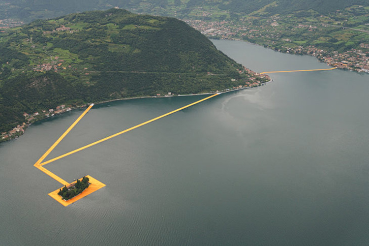 the-floating-piers-christo3