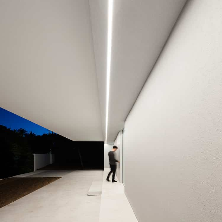 fran-silvestre-arquitectos_-house-between-the-pine-forest_-38