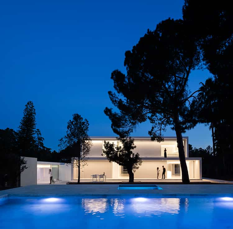 fran-silvestre-arquitectos_-house-between-the-pine-forest_-53