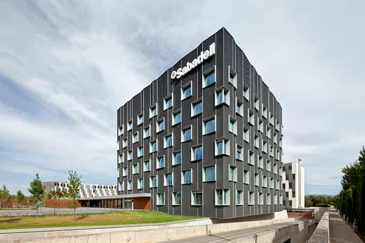 bach-arquitectes-banc-sabadell-headquarters-2