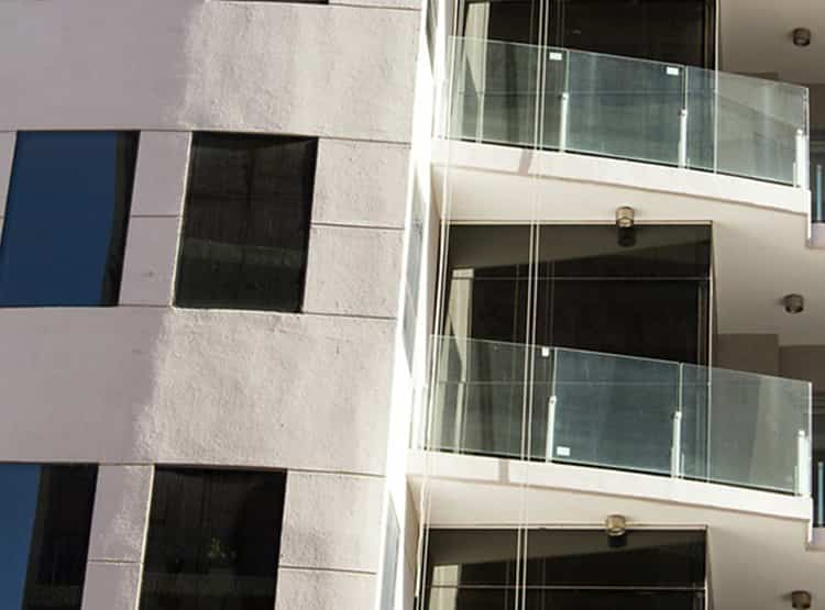 Edificio de departamentos en Bahía Blanca / Rehau