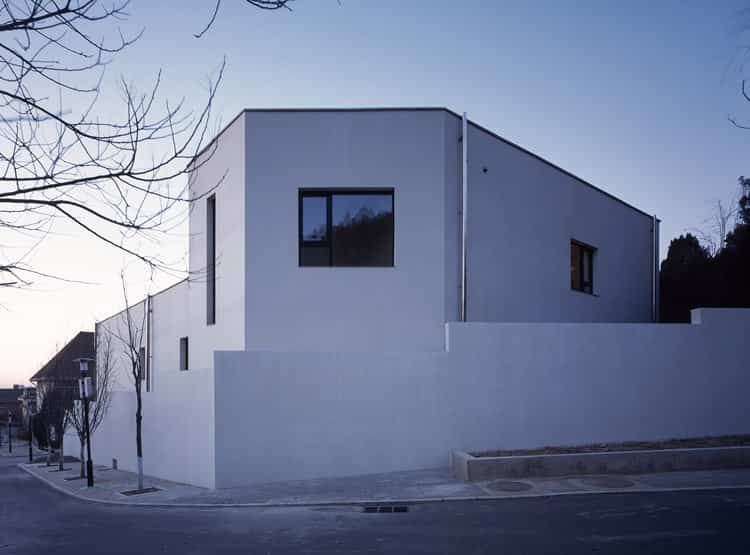 House W / Atelier About Architecture