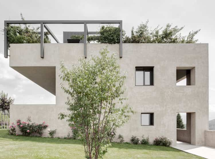 Cut out - House H / Bergmeisterwolf Architekten