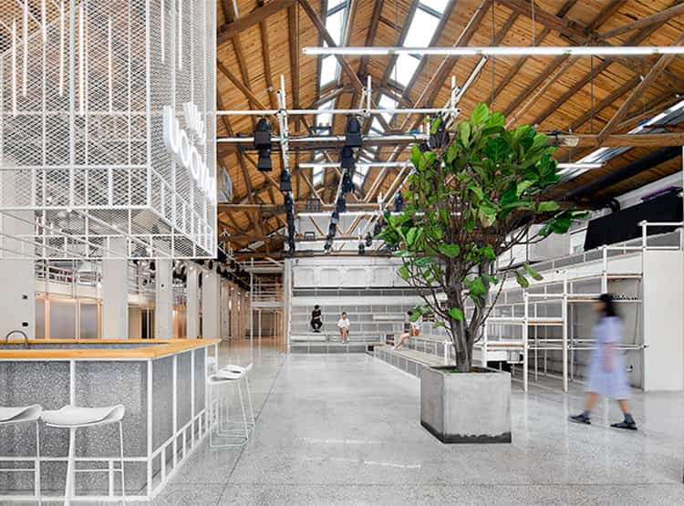 Unfinished Space - Oficinas UOOYAA / XCoD