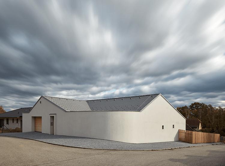 Casa unifamiliar  / Jiří Weinzettl, Atelier 111 architekti